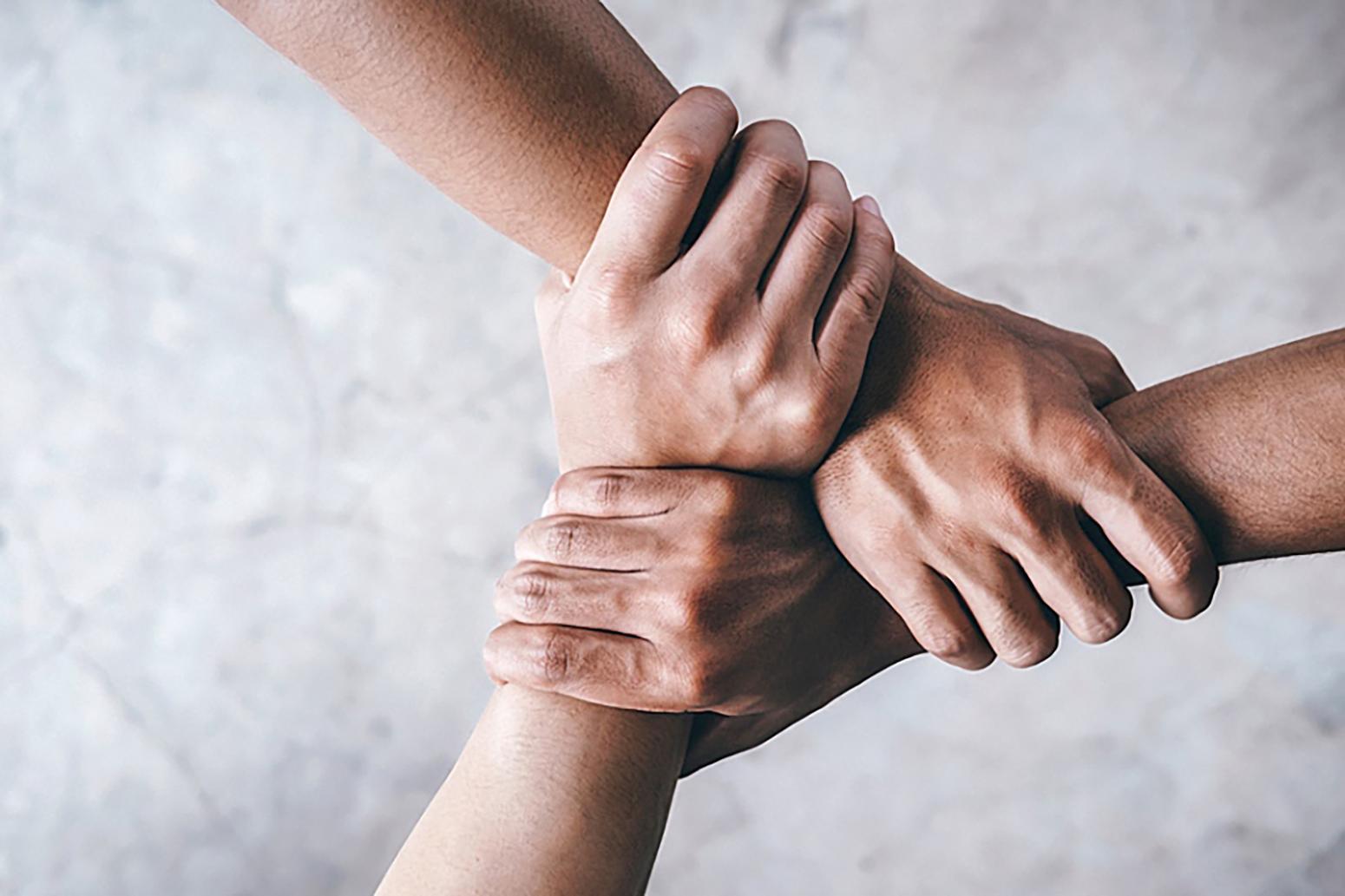 کمک مؤمنانه کارکنان شرکت سیناریل پارس به آسیب دیدگان ناشی از کرونا در کشور